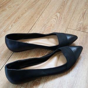 Ellen Tracy leather flats